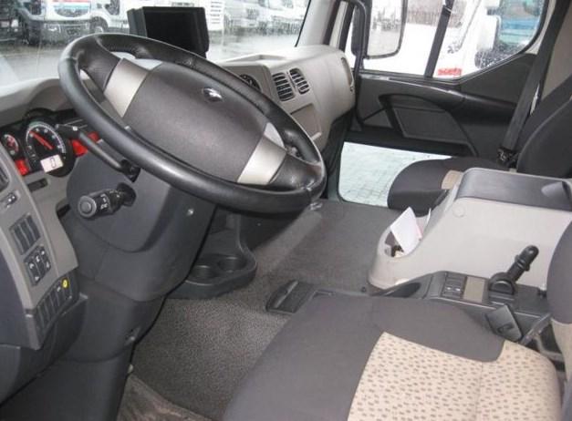 Renault Premium Distribution фото кабины